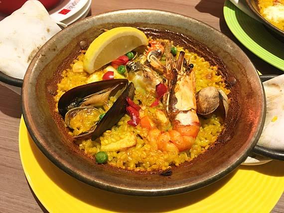dinner_2966b.jpg