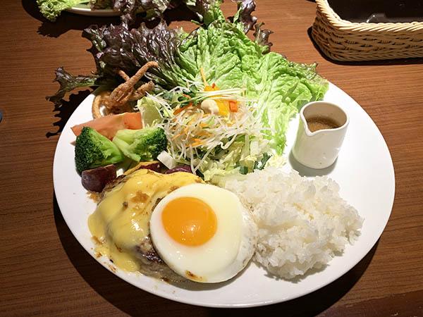 dinner_7504a.jpg